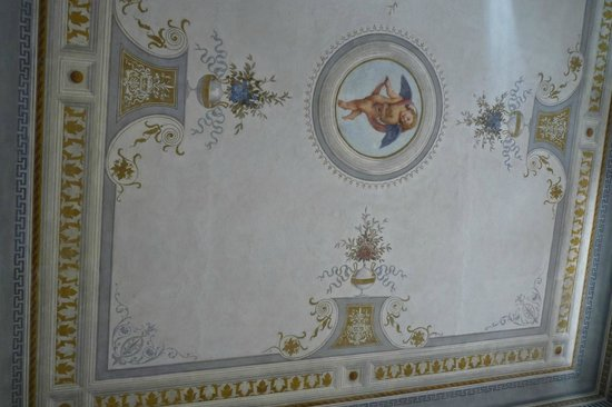 Antica Residenza Cicogna: ceiling painting
