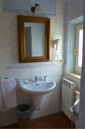 Antica Residenza Cicogna: bathroom