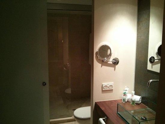 El Plantio Golf Resort : En-suite bathroom