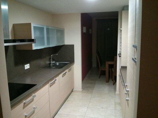 El Plantio Golf Resort : Kitchen of 3 bedroom apartment