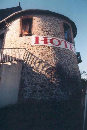 La Tour des Anglais: Hotel 2** Logis 20 chambres Calme parking et Wifi gratuit