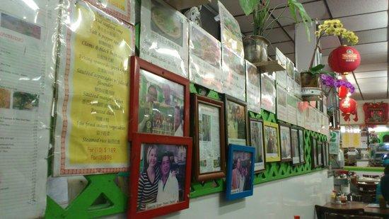 Yuet Lee : Kitchen/restaurant wall
