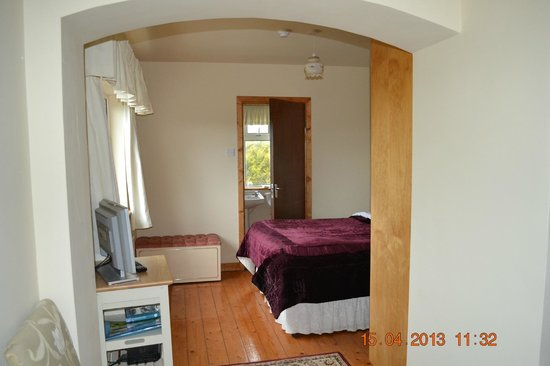 Seafield Farmhouse B&B: Second Bedroom Area