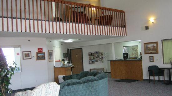 Americas Best Value Inn & Suites: Lobby