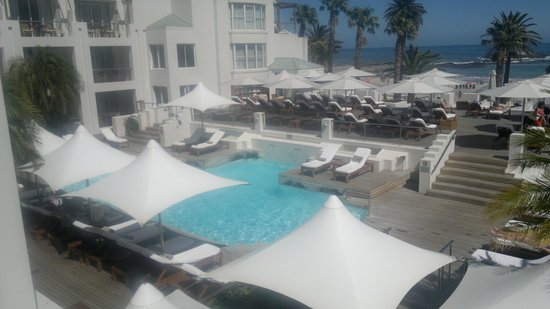 The Bay Hotel : hotel pool