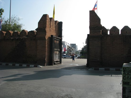 WangBurapa Grand Hotel: Gate in the city wall