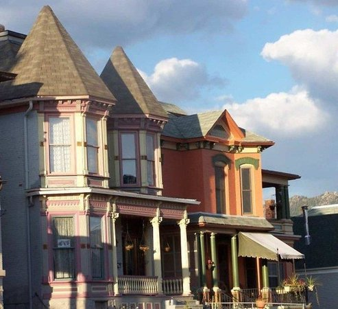 Hampton Inn Butte: Painted Ladies