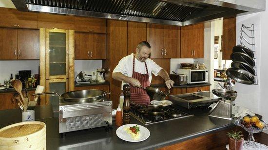 GUBAS DE HOEK meet eat sleep: GUBAS-DEHOEK Gunther cooks
