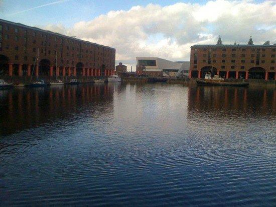 The Lord Nelson Hotel: il porto vecchio di Liverpool...