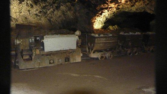 Marienglashöhle Friedrichroda: Wagon met aanhangwagentjes voor het afvoeren van gips