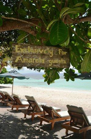 Amarela Resort: Local and private beach