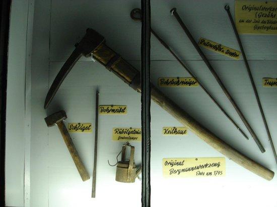 Marienglashöhle Friedrichroda: gereedschap waar men mee moest werken