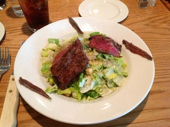Woods Creek Grill: Cesar salad with flat iron steak
