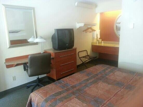 Motel 6 Nashua South : interior room