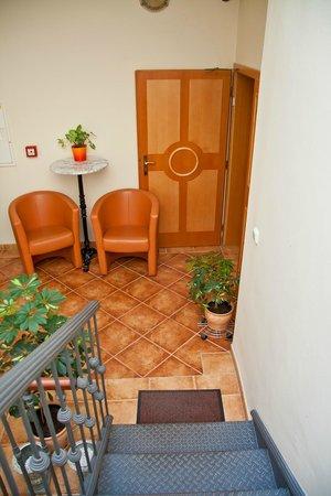 Hotel Dar: Лестница на крышу