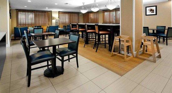 Hampton Inn Asheboro : Front Desk