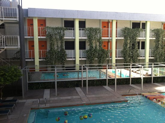 The Clarendon Hotel and Spa : View of the pool area.