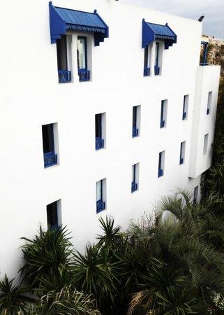 Ibis Casa Voyageurs : The facade from the room