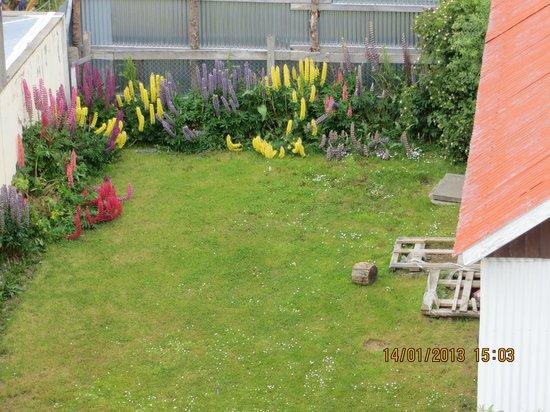Hotel Tierra Del Fuego: view to a garden nearby
