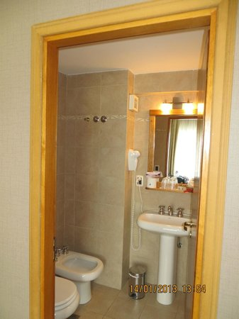 Hotel Tierra Del Fuego: Bathroom