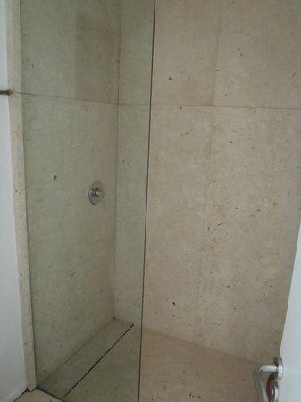 Deseo Hotel: Bathroom