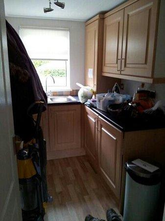 Longnor Wood Holiday Park: utility room