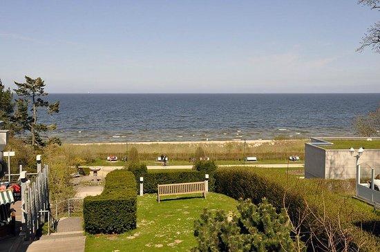 Strandhotel Ostseeblick : Blick vom Zimmer 103