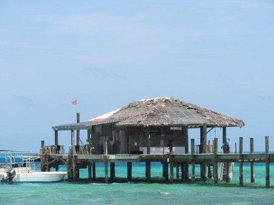 Small Hope Bay Lodge: Cherished dive dock.