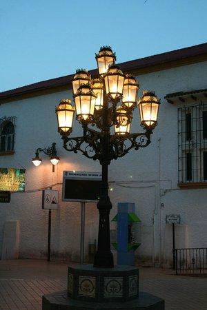 Bodegas Quitapenas: Leuchte in der Fußgängerzone