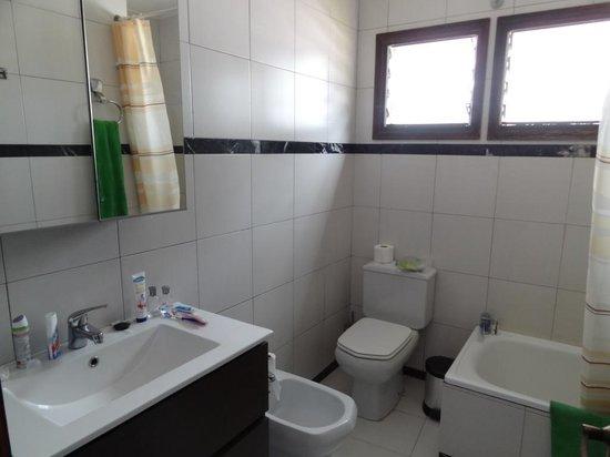 Oasis Maspalomas: Bathroom