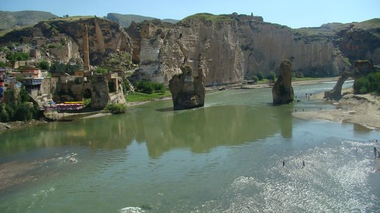 The Old Bridge on Tigris River: Hasankeyf-Batman