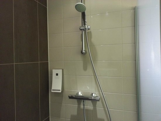 Hampshire Hotel - The Manor Amsterdam: Shower