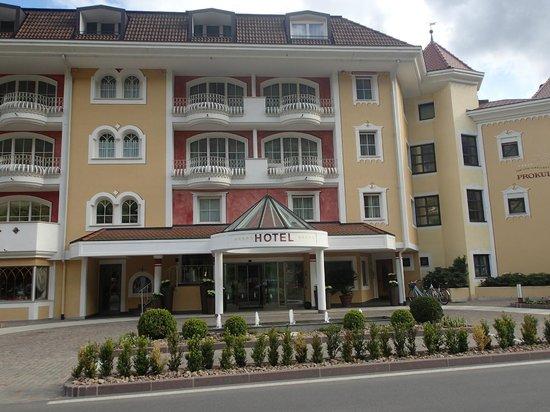 Familien- & Wellnesshotel Prokulus: Hotel Haupteingang