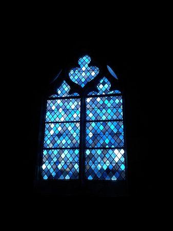 Église Sainte-Radegonde de Giverny : Vitraux