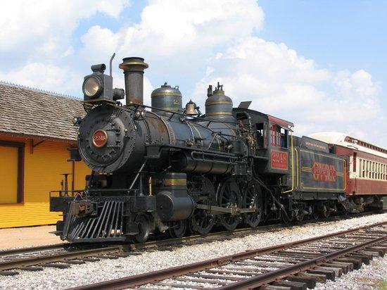 Grapevine Vintage Railroad: Grapevine steam engine