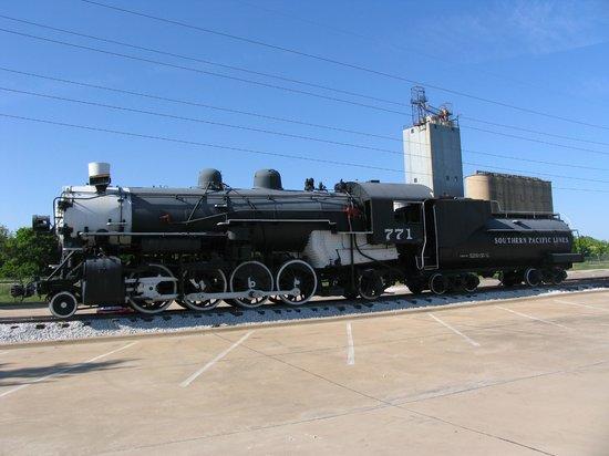 Grapevine Vintage Railroad: SP Display engine