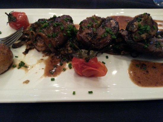 A Table: epaule d agneau et tagliatelle de courgettes