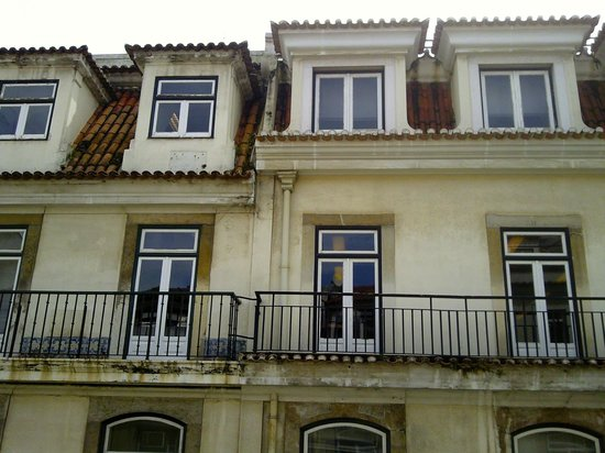 Yes! Lisbon Hostel: view from my romm
