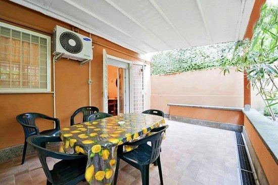 Amaryllis House Casa Vacanze: Terrazzo
