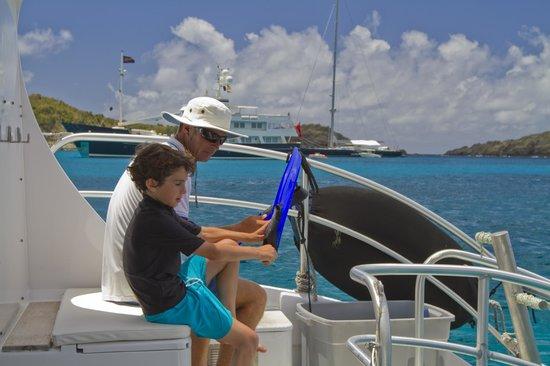 Plongee Caraibes Catamaran: un enfant plongeur