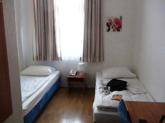 Daheim Hotel: Room