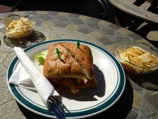 European Desserts and More : Delicious chipotle chicken sandwich