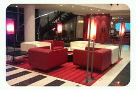 Novotel Luxembourg Centre: Lobby