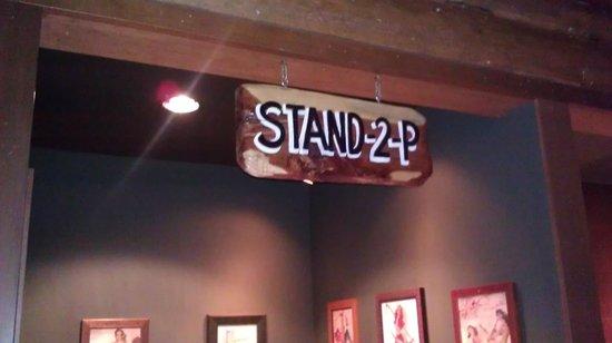 Twin Peaks Restaurants: Mens Bathroom