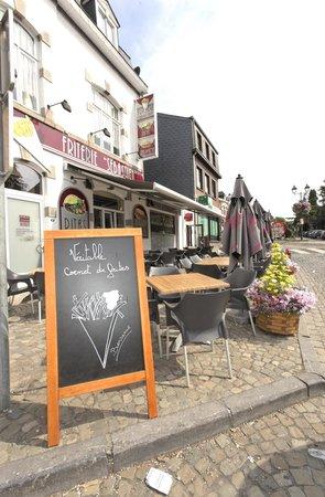 Stavelot, België: Mmmmm...un bon cornet de frites