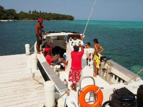Huracan Diving: Dive Boat