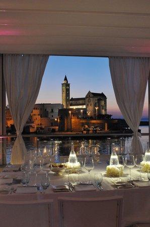 la terrazza sul porto - Picture of Le Lampare al Fortino, Trani ...