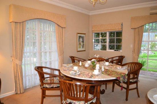 Lanterns Retreat: Delightful breakfast room