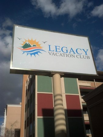Legacy Vacation Resorts-Reno: Legacy Vacation Club sign out front