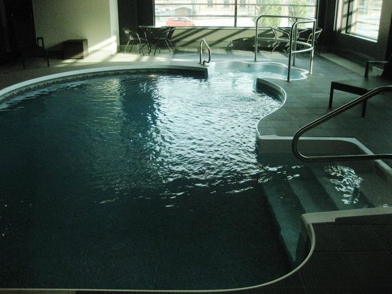 Grand Times Hotel Sherbrooke: Indoor pool